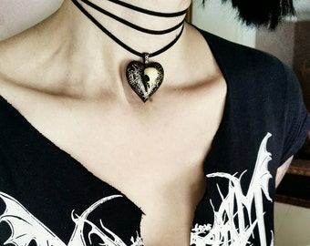 Love Sick Raven Skull Heart Pendant Choker or Necklace Retro Nineties Rocker Goth Style