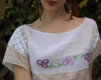 Embroidered Vintage Lace Crop Top