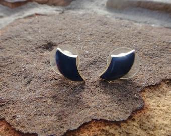 Vintage Beautiful Small Blue Stud Post Earrings for Pierced earrings Beautiful earrings