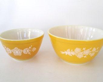 Pyrex Butterfly Gold 2-Bowl Set
