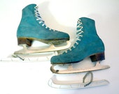 Vintage Ice Skates made in Canada / vintage suede shoes / size 5