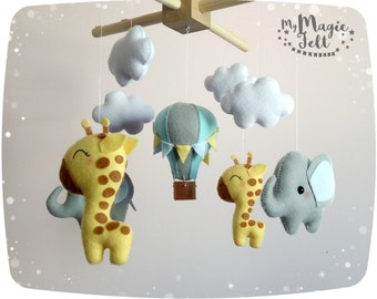Baby mobile elephant and giraffe Baby mobile safari Crib mobile Africa Baby boy mobile giraffe and elephant Nursery mobile elephant