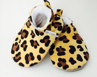 Leopard Baby Shoes, Animal Print Soft Sole Baby Shoes, Baby Girl Shoes, Baby Booties, Baby Moccasins, Crib Shoes, Toddler Slippers, Moccs