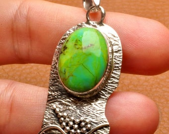 Green  Turquoise sterling silver  pendant   ( #J1514-2)