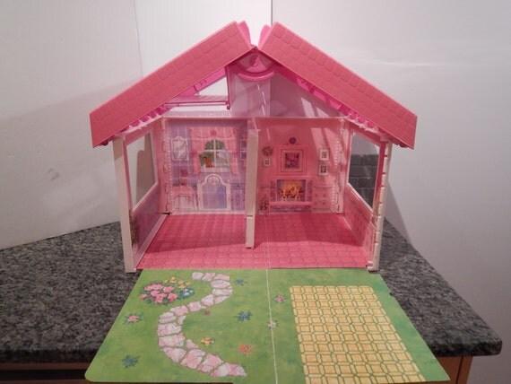 Vintage Barbie Fold N Fun Dollhouse 1992 Mattel Reserve For