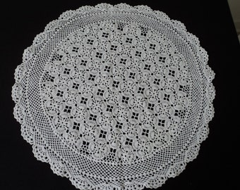 Vintage French hand crochet large pale pink cotton doily (02436)