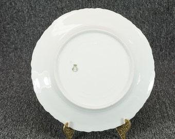 Vienna Austria Dinner Plate Mfg By Count Thun's Factory C. 1890 - 1908