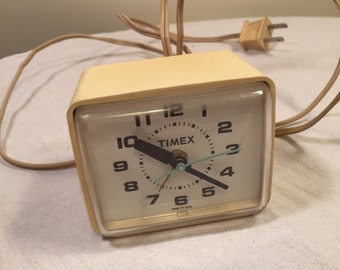 Vintage 1970's Timex model 7369A plug in clock with alarm - made in usa - plug in alarm clock - Timex table clock