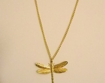 Small Gold Tone Dragonfly Pendant Necklace