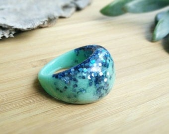 Mint Green Resin Ring- Resin Ring- Resin Jewelry- Glitter Ring- Dome Ring- Electric Blue Glitter Resin Ring- Size 8- Mint & Electric Blue