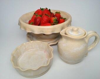 Pottery creamer, pottery pitcher, syrup pitcher, sauce pitcher