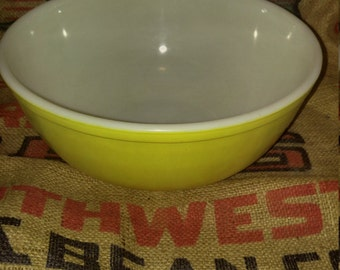 Solid Yellow Large Mixing Bowl 404
