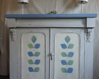 Sideboard/dresser