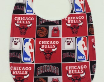 Ready To Post - Bamboo Everyday Bib for baby and toddler - Chicago Bulls