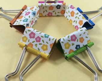 Multi coloured flowers binder clips. 32mm foldback clips set of 5