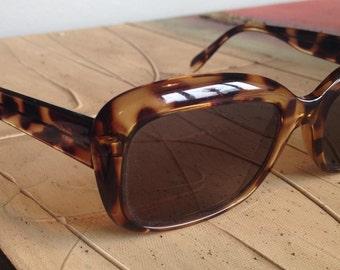 tortoiseshell WAYFARERS sunglasses