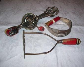 Kitchen Utensils Set of 3 Hand Mixer Potato Masher Pastry Blender Shabby Vintage