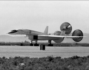 24x36 Poster . North American Xb-70 Landing