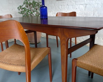 4 x Niels O Moller (model #71) Dining Chairs with original papercord seats