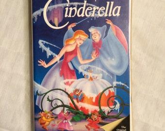 Walt Disney's Cinderella VHS Masterpiece Collection Rare 1995