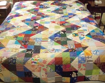 Ziggy-Zaggy Scrappy Queen-Sized Bed Quilt