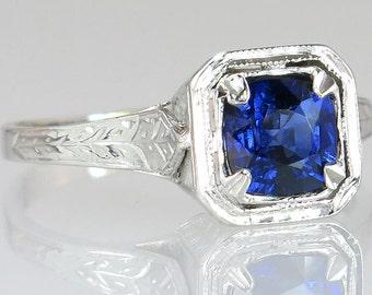 Antique .93ct Sapphire 18K White Gold Art Deco Engagement Ring 2.3g