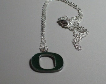 """University of Oregon Ducks Necklace, Sterling Silver 18"""" Chain, Green """"O"""" Charm"""