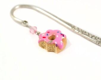 Handmade donut bookmark - Polymer clay doughnut charm bookmark - Pink donuts - Silver bookmark - Sweet gift - Book lover - Reader - Mini