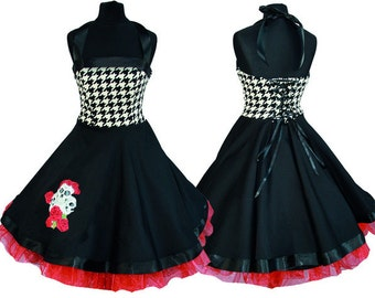 Great dress with skulls and roses!