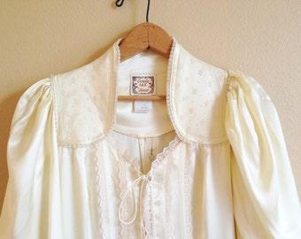 Gunne Sax Dress - Vintage 1970's Full Length Cream Colored Satin Gunne Sax Dress - Off White Satin Wedding Dress - Vintage White Gown
