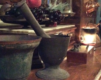 Antique Cast Iron Mortor & Pestle/ 19th Century Apothecary /Pharmacy Antiques/Decorative Arts/Apothecary /Pharmacy Implements/Collectibles