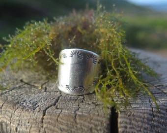 Navajo Sterling Silver Ring.  Native american SUNRISE Ring. Native american Jewelry. Handmade Stamped.  Silversmith native american.