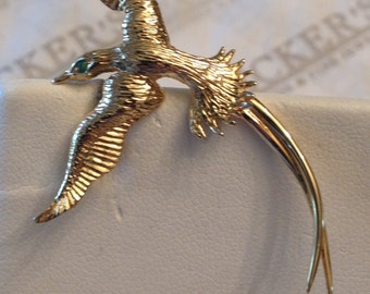 Vintage 14k yellow gold Textured Flying Bird Pin Pendant Combination with a Round Emerald Eye Textured Feathers