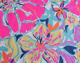 Customize My Applique with this Lilly Pulitzer Print / Besame Mucho and Coordinating Threads