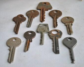 Set of 10 Vintage Keys Old Skeleton Antique Metal Keys USSR Keys Rusty Metal Charms Industrial Rustic Jewerly Supplies