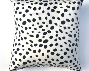 "Black Large Speckles 20"" x 20"" Pillow Cover"