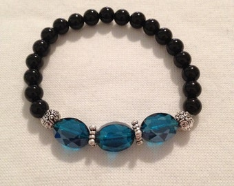 Beautiful Turquoise Czech crystal with Black agate bead bracelet
