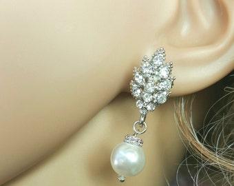 Wedding Pearl Earrings, Pearl Bridesmaids Jewelry, Unique Pearl Earrings, Swarovski Pearl, Maid of Honor Gift, Leaf Earrings, Scarlet