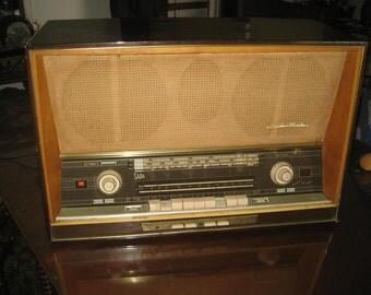 SABA Freiburg 125 stereo tube radio with automatic motortuning