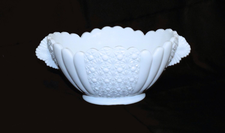 Vintage Fenton Milk Glass Daisy Amp Button 9 Oval Bowl