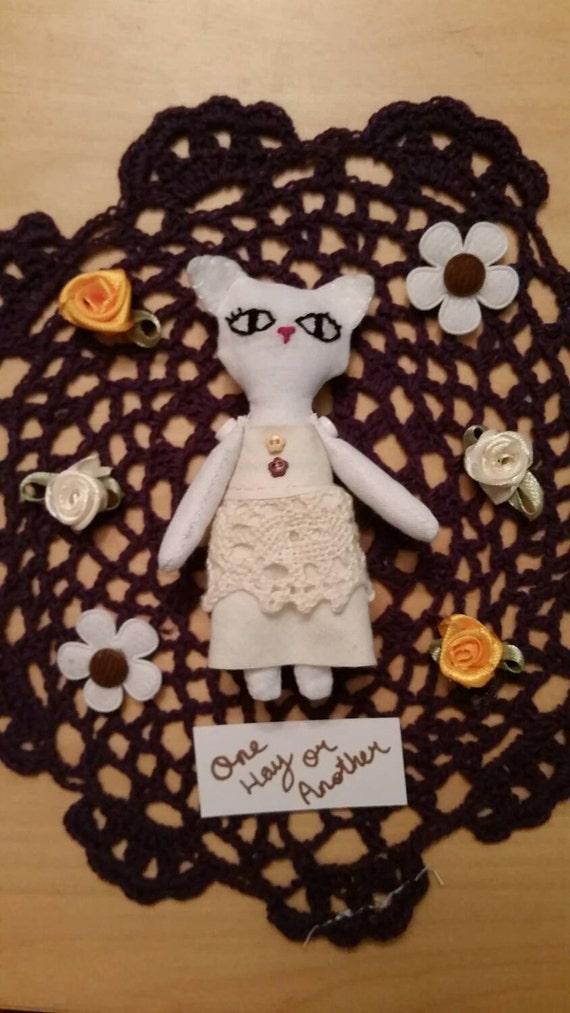 Eve mini art doll