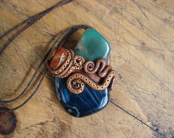 Blue and turquoise agate with carnelian