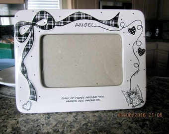 Frame  5 x 7 with 4 x 6 opening glass and ceramic Angles black and white  FREE SHIP