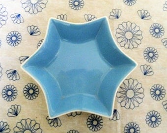 Vintage Star Shaped Dish. Blue and White Dish. Small Dish. Soap Dish. Trinket Dish. Six Pointed Star Ceramic Candy Dish. Pale Blue Dish.