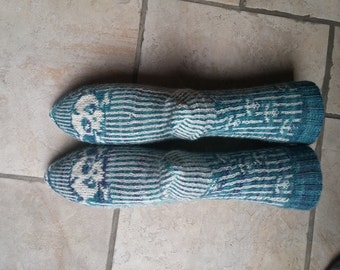 "Handknit Wool Socks ""Pirate of the Caribbean"" blue + white, fairisle, handdyed"