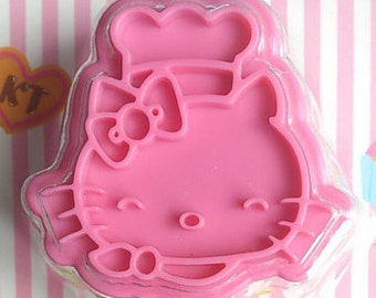 Hello kitty cookie cutter and stamp ( licensed original product from Sanrio, not counterfeit)
