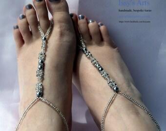 Bare feet foot Sandals, foot thong, Brides foot jewellery, beach wedding shoes, foot sandals, bead foot thongs, Bridal barefoot sandals