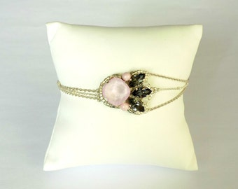 Embroidered bracelet with cristal stones