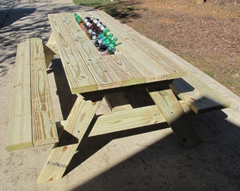 Picnic Table with Built-In Ice Chest