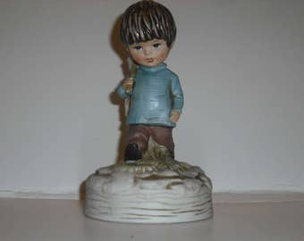 """1973 Fran Mar Moppets Boy With Net Music Box Gorham Ceramic Figurine  Plays The Shadow Of Your Smile 6.75 """" Tall"""